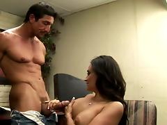 Juicy Claudia Valentine Gets Fucked Hard By Tommy Gunn