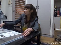 Amazing Japanese AV model is one sexy milf
