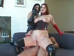 Two babes wearing latex (Sid69)