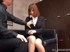 Sex appeal Asian office girl Suzu Tsubaki gets headfuck