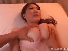 Babe with big tits gets shaved pussy and oiled body caressed