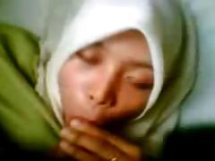 malay-hisap sambil baring