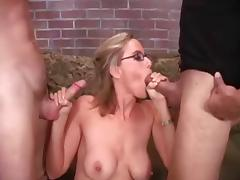 Milf sucks and cum on glasses