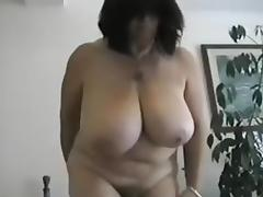 AMATEUR HAIRY BIG TITS