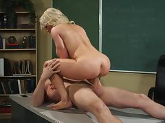 Diamond Foxx getting cumshot on her ass after hardcore cock fucking